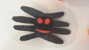 araignée avec les mains